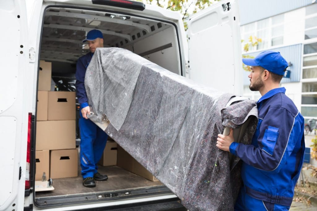 rbr moving men that will moved and delivered your furniture